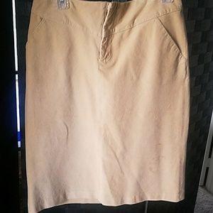 Cute tan skirt
